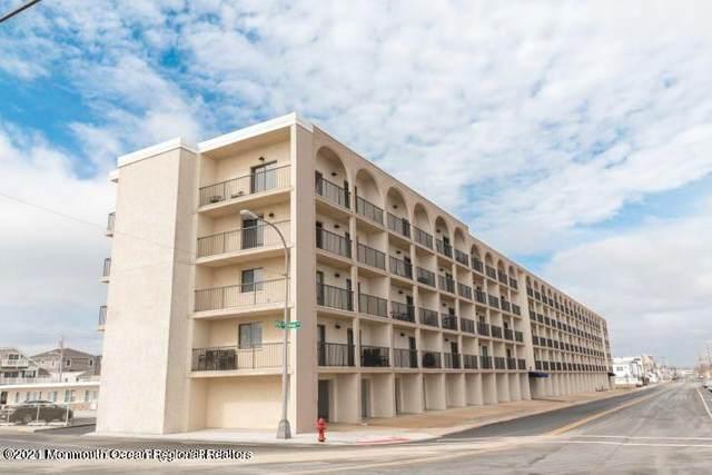 51 Hiering Avenue C4, Seaside Heights, NJ 08751 (MLS #22118073) :: The MEEHAN Group of RE/MAX New Beginnings Realty