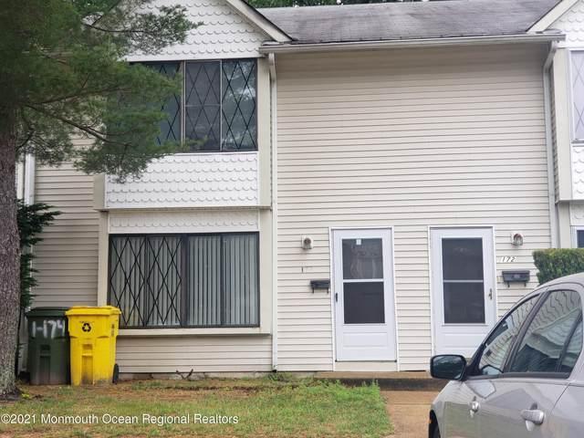 174 Stratford Place, Lakewood, NJ 08701 (MLS #22118082) :: The MEEHAN Group of RE/MAX New Beginnings Realty