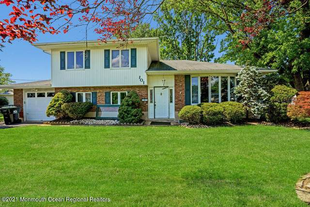 101 Wynnewood Court, Freehold, NJ 07728 (MLS #22118129) :: The MEEHAN Group of RE/MAX New Beginnings Realty