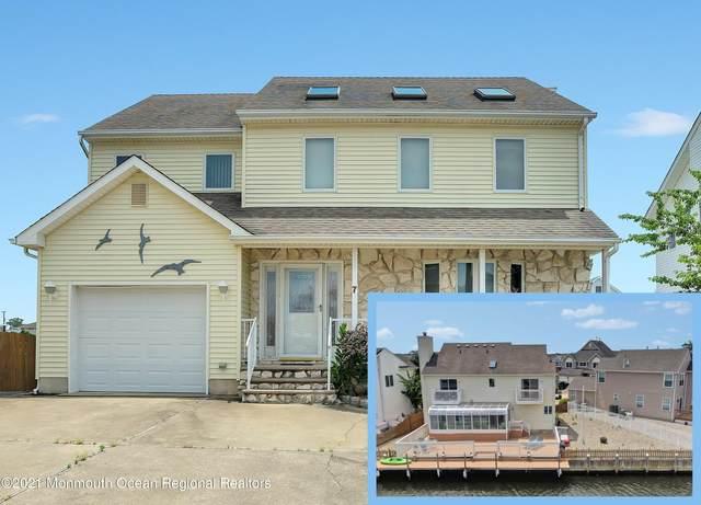 7 Toppinglift Drive, Bayville, NJ 08721 (MLS #22118567) :: The Dekanski Home Selling Team