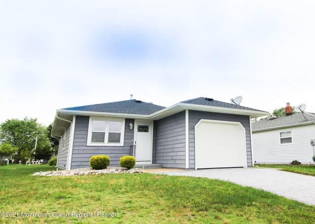 134 Liberta Drive, Toms River, NJ 08757 (MLS #22118638) :: The Dekanski Home Selling Team