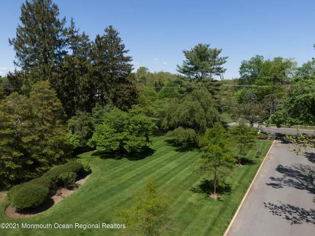 2 Clover Lane, Rumson, NJ 07760 (MLS #22118650) :: Corcoran Baer & McIntosh