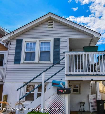 39 Carteret Avenue, Seaside Heights, NJ 08751 (MLS #22118758) :: The MEEHAN Group of RE/MAX New Beginnings Realty