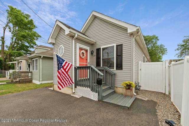 131 Bray Avenue, Middletown, NJ 07748 (MLS #22118902) :: The CG Group | RE/MAX Revolution