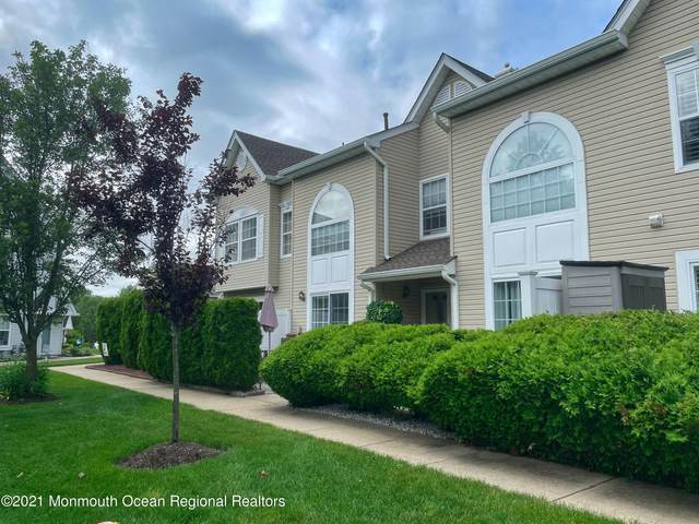 52 Phoenix Court, Tinton Falls, NJ 07712 (MLS #22118955) :: The MEEHAN Group of RE/MAX New Beginnings Realty