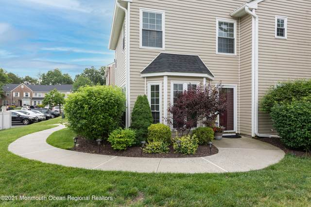 293 Stratford Place, Morganville, NJ 07751 (MLS #22118988) :: The MEEHAN Group of RE/MAX New Beginnings Realty