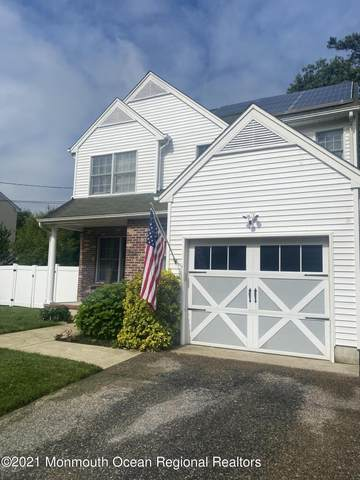 724 Sandy Hook Drive, Forked River, NJ 08731 (MLS #22119206) :: The MEEHAN Group of RE/MAX New Beginnings Realty
