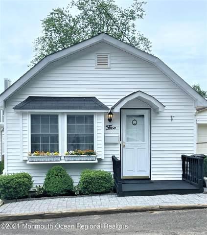 5 King Street, Highlands, NJ 07732 (MLS #22119242) :: The Dekanski Home Selling Team