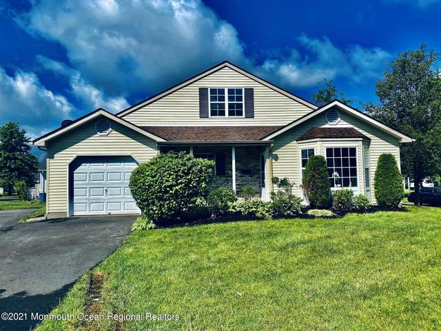 42 Farnworth Close #1000, Freehold, NJ 07728 (MLS #22119256) :: The MEEHAN Group of RE/MAX New Beginnings Realty