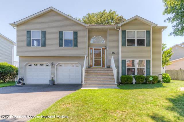 25 Jacob Drive, Howell, NJ 07731 (MLS #22119465) :: Caitlyn Mulligan with RE/MAX Revolution