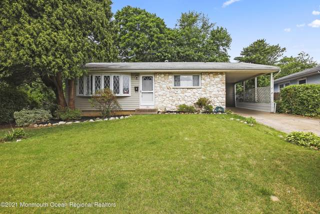 103 Pinetree Drive, Parlin, NJ 08859 (MLS #22119604) :: The MEEHAN Group of RE/MAX New Beginnings Realty