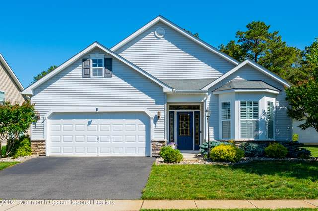 44 Woodview Drive, Whiting, NJ 08759 (MLS #22119615) :: The MEEHAN Group of RE/MAX New Beginnings Realty