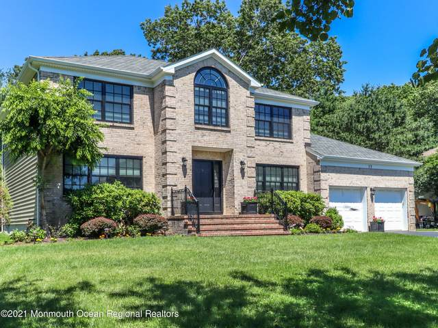 32 Mohawk Lane, Manalapan, NJ 07726 (MLS #22119665) :: The Dekanski Home Selling Team