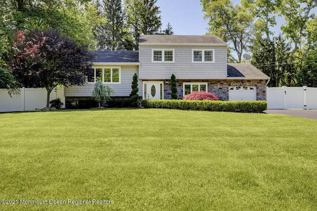 44 Stratford Drive, Manalapan, NJ 07726 (MLS #22119672) :: The Dekanski Home Selling Team