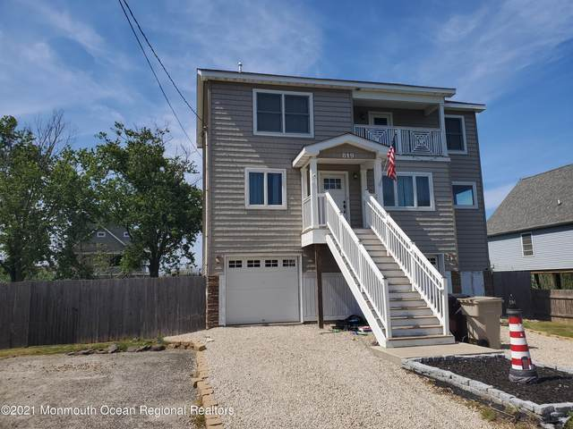 819 Holly Boulevard, Bayville, NJ 08721 (MLS #22119767) :: The DeMoro Realty Group | Keller Williams Realty West Monmouth
