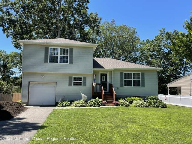 465 River Terrace, Toms River, NJ 08755 (MLS #22119821) :: The MEEHAN Group of RE/MAX New Beginnings Realty