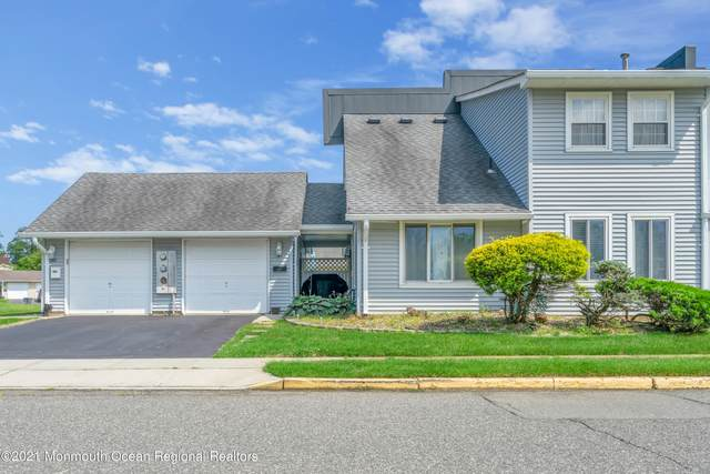 33 Sutton Drive, Brick, NJ 08724 (MLS #22119870) :: The MEEHAN Group of RE/MAX New Beginnings Realty