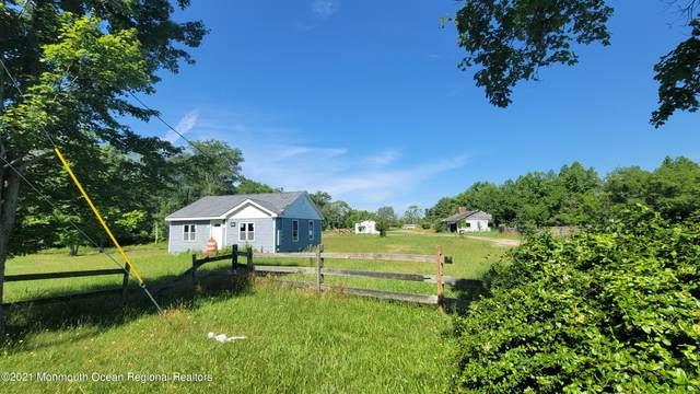 656 Lakewood Farmingdale Road, Howell, NJ 07731 (MLS #22119886) :: The DeMoro Realty Group | Keller Williams Realty West Monmouth