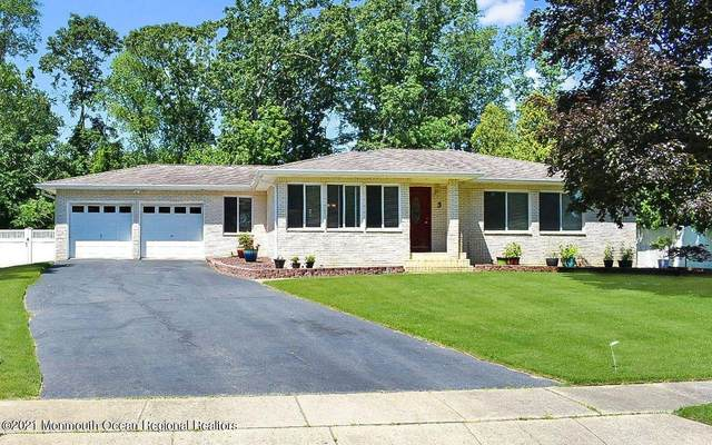 3 Blackfoot Court, Toms River, NJ 08753 (MLS #22120168) :: The MEEHAN Group of RE/MAX New Beginnings Realty