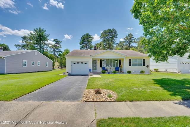 17 Edgewater Drive, Toms River, NJ 08757 (MLS #22120402) :: Kiliszek Real Estate Experts