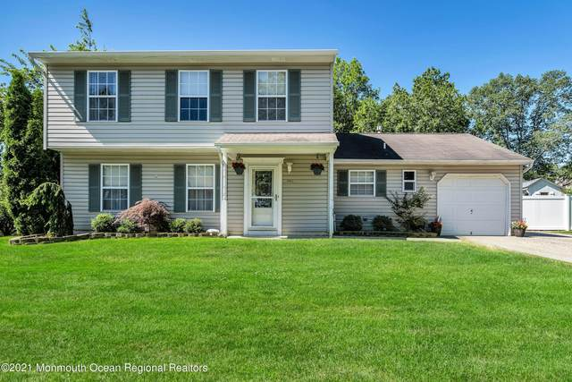 942 Mcguire Drive, Toms River, NJ 08753 (MLS #22120510) :: The MEEHAN Group of RE/MAX New Beginnings Realty