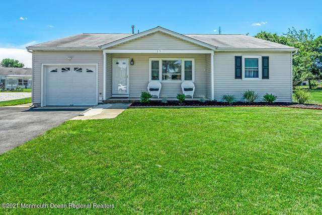 15 Wiltshire Court, Toms River, NJ 08757 (MLS #22120586) :: The MEEHAN Group of RE/MAX New Beginnings Realty