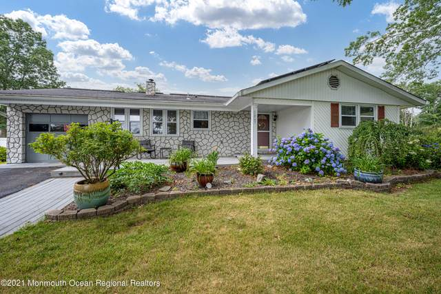 1067 Crystal Drive, Toms River, NJ 08753 (MLS #22120884) :: The MEEHAN Group of RE/MAX New Beginnings Realty