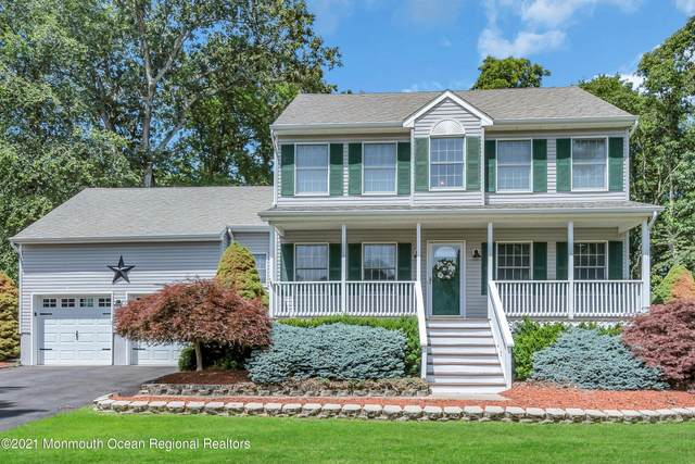 16 River Edge Drive, Jackson, NJ 08527 (MLS #22120897) :: The MEEHAN Group of RE/MAX New Beginnings Realty