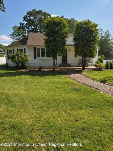 10 Northwoods Place, Howell, NJ 07731 (MLS #22121161) :: The Sikora Group