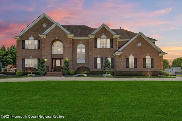 2 Susan Court, Farmingdale, NJ 07727 (MLS #22121229) :: The Dekanski Home Selling Team