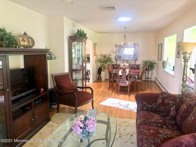 7 Hemlock Street D, Toms River, NJ 08757 (MLS #22121432) :: PORTERPLUS REALTY