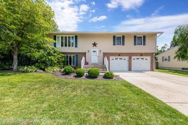 7 Johnson Drive, Allentown, NJ 08501 (MLS #22121813) :: Kiliszek Real Estate Experts