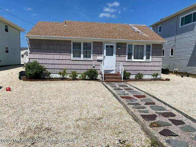2002 Baltimore Avenue, Lavallette, NJ 08735 (MLS #22122005) :: The MEEHAN Group of RE/MAX New Beginnings Realty