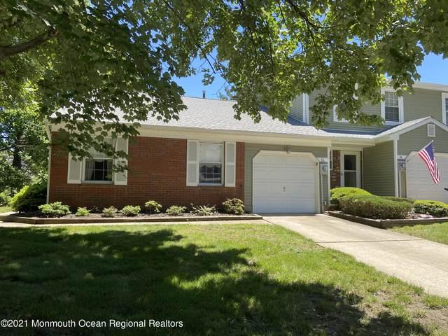 76 Oak Lane, Eatontown, NJ 07724 (MLS #22122122) :: The MEEHAN Group of RE/MAX New Beginnings Realty