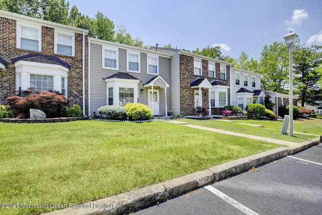 198 Yorkshire Court, Old Bridge, NJ 08857 (MLS #22122309) :: The MEEHAN Group of RE/MAX New Beginnings Realty
