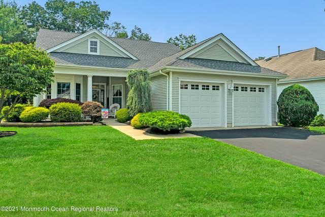 2 Springtide Road, Lakewood, NJ 08701 (MLS #22122325) :: The MEEHAN Group of RE/MAX New Beginnings Realty