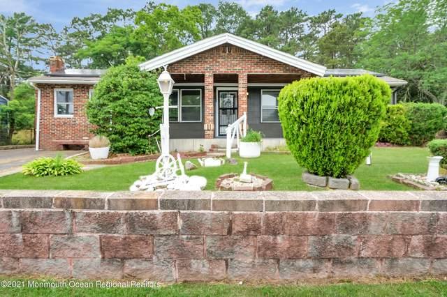 132 Belmont Drive, Toms River, NJ 08757 (MLS #22122387) :: The Dekanski Home Selling Team