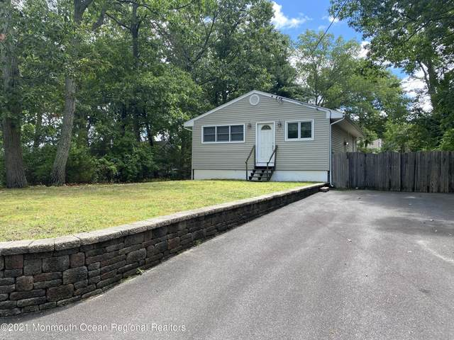 211 Center Drive, Brick, NJ 08724 (MLS #22122569) :: The MEEHAN Group of RE/MAX New Beginnings Realty