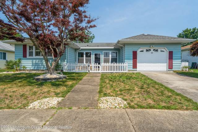 213 Parisian Court, Toms River, NJ 08757 (MLS #22122613) :: The MEEHAN Group of RE/MAX New Beginnings Realty