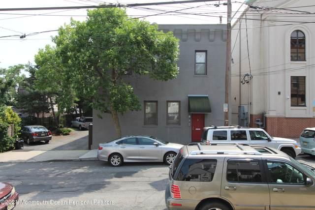 18 W 20th Street, Bayonne, NJ 07002 (MLS #22122657) :: PORTERPLUS REALTY