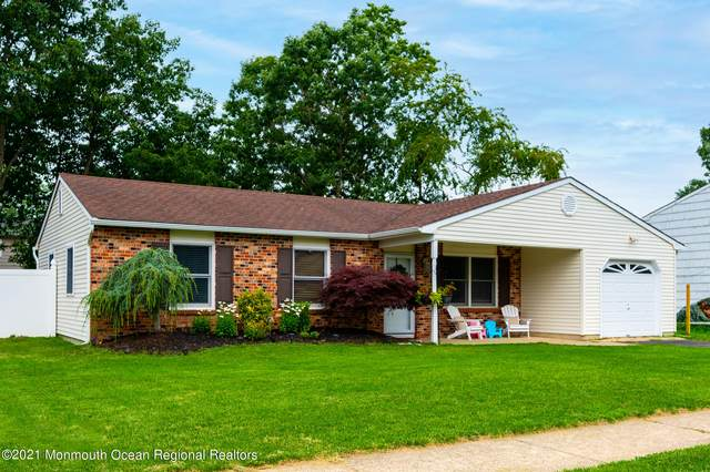10 Ivy Place, Howell, NJ 07731 (MLS #22122824) :: Team Gio | RE/MAX
