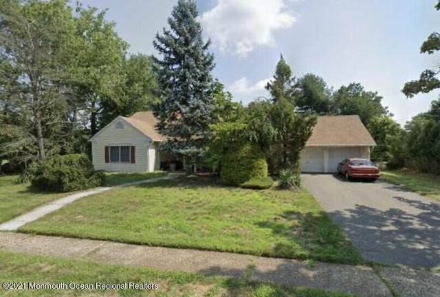 10 Clover Way, Aberdeen, NJ 07747 (MLS #22122959) :: The MEEHAN Group of RE/MAX New Beginnings Realty