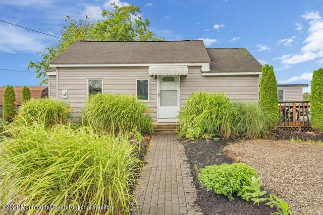 276 Alabama Avenue, Toms River, NJ 08753 (MLS #22122998) :: The MEEHAN Group of RE/MAX New Beginnings Realty