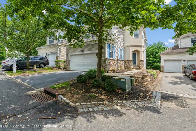 121 Overhill Drive, Parlin, NJ 08859 (MLS #22123076) :: The MEEHAN Group of RE/MAX New Beginnings Realty