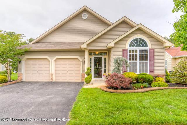 24 Woodview Drive, Whiting, NJ 08759 (MLS #22123089) :: The MEEHAN Group of RE/MAX New Beginnings Realty