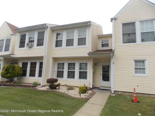 927 Jessica Court, Lakewood, NJ 08701 (MLS #22123099) :: The Sikora Group