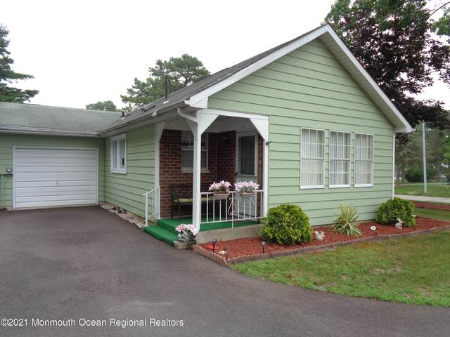4 A Jefferson Lane, Whiting, NJ 08759 (MLS #22123180) :: The MEEHAN Group of RE/MAX New Beginnings Realty