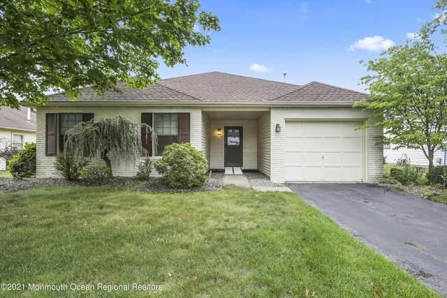 21 Hansom Lane, Marlboro, NJ 07746 (MLS #22123193) :: Kiliszek Real Estate Experts