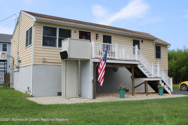 15 2nd Avenue, Port Monmouth, NJ 07758 (MLS #22123348) :: Caitlyn Mulligan with RE/MAX Revolution
