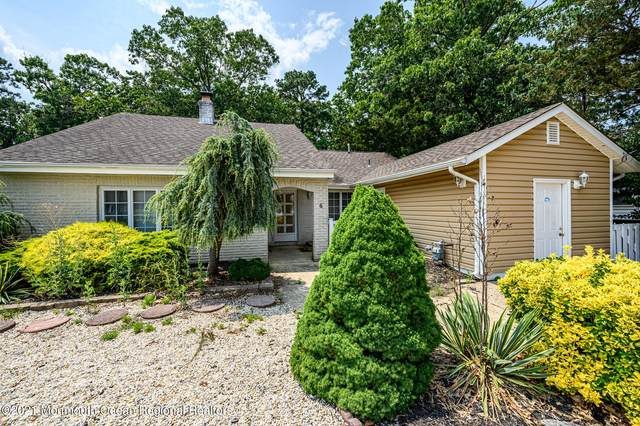 6 Pinecrest Drive, Toms River, NJ 08753 (MLS #22123372) :: The MEEHAN Group of RE/MAX New Beginnings Realty